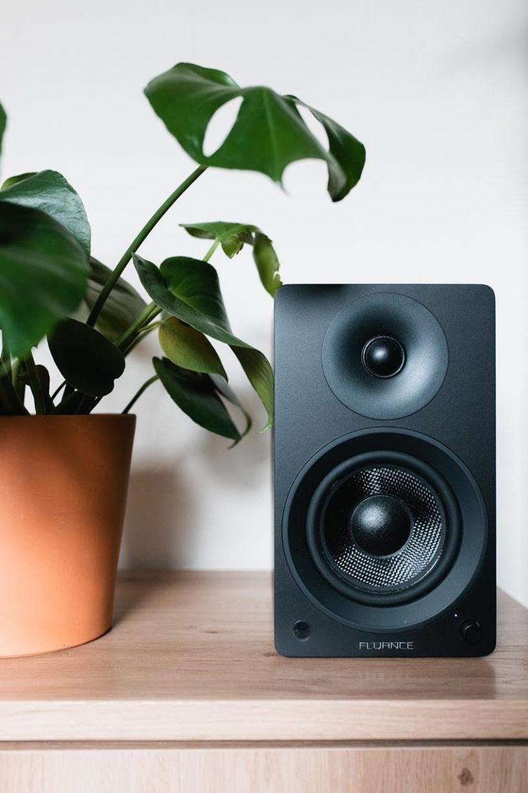 Jak wybrać odpowiednio dopasowane głośniki?