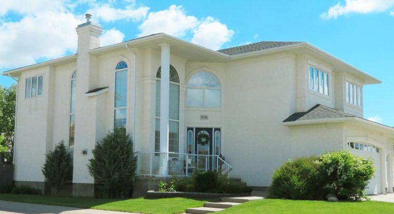 Co należy wiedzieć przed sprzedażą domu?